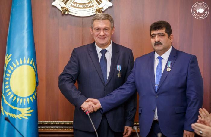 Nazarbayev azərbaycanlıları mükafatlandırdı