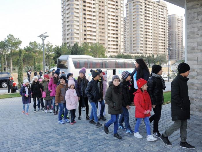 Heydər Əliyev Fondu uşaqları sevindirdi