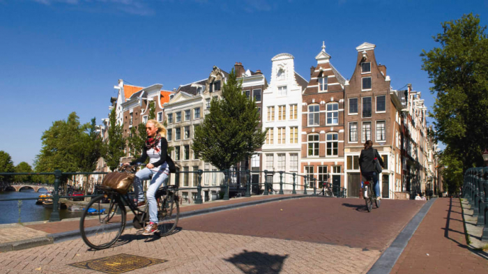 The Netherlands is paying people to cycle
