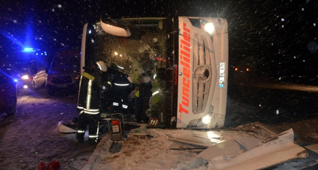 3 killed, 55 injured in 2 bus accidents in Turkey