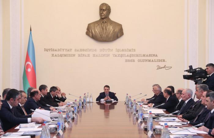Novruz Məmmədov yenidən nazirləri topladı