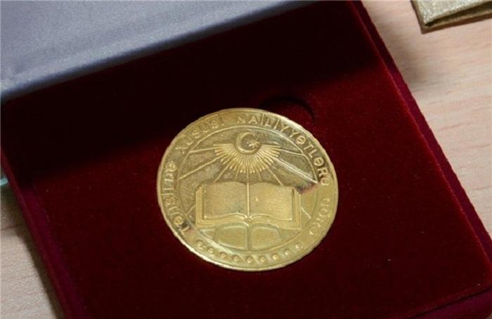 Paytaxtda 42 şagird qızıl medal alıb