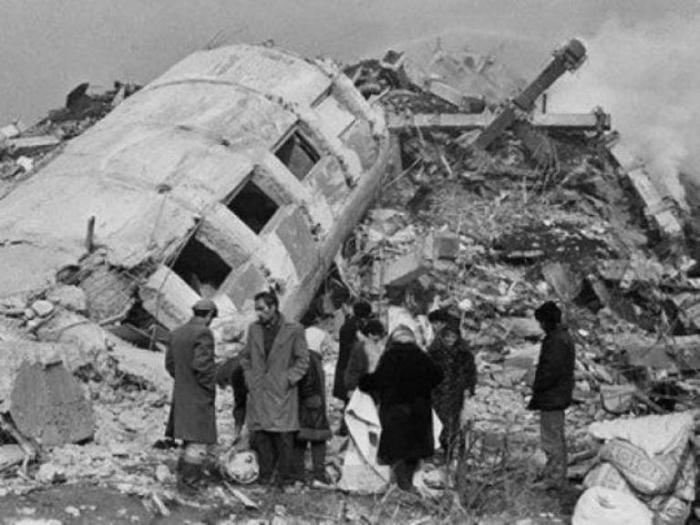Spitaka yardıma gedən azərbaycanlıların faciəsi - 30 il ötür