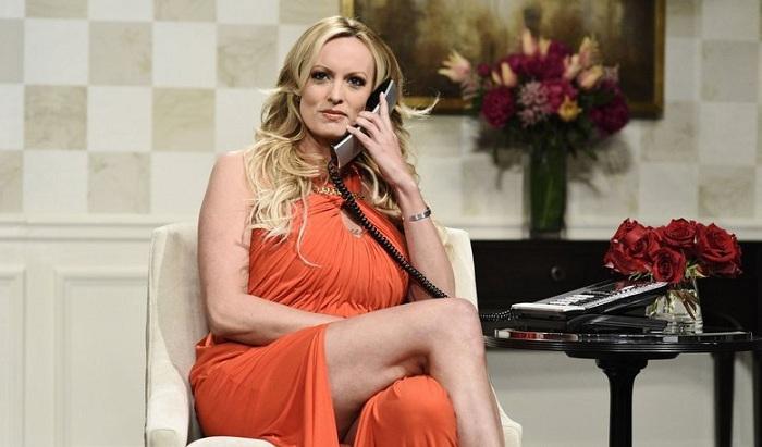 Porno ulduz Trampa 300 min dollar uduzdu