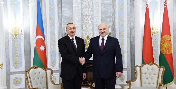 Lukaşenko İlham Əliyevi təbrik edib