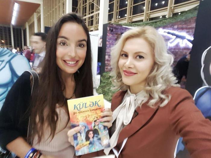 ASAN könüllüsünün kitabı Leyla Əliyevaya təqdim edildi - VİDEO