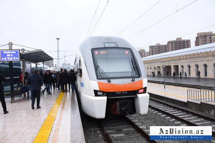 Bakı-Gəncə sürət qatarına ilk gündə 85 bilet satıldı
