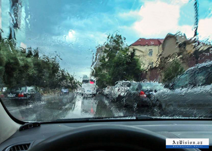 Yağışlı hava davam edir