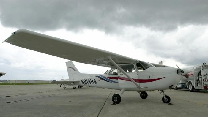 VIDEO: Cuatro muertos deja el accidente de una avioneta que cayó sobre una casa en Culiacán