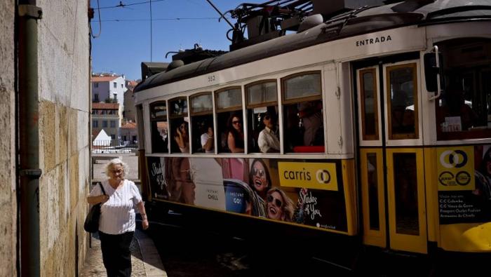 Un tramway déraille à Lisbonne faisant   28 blessés légers