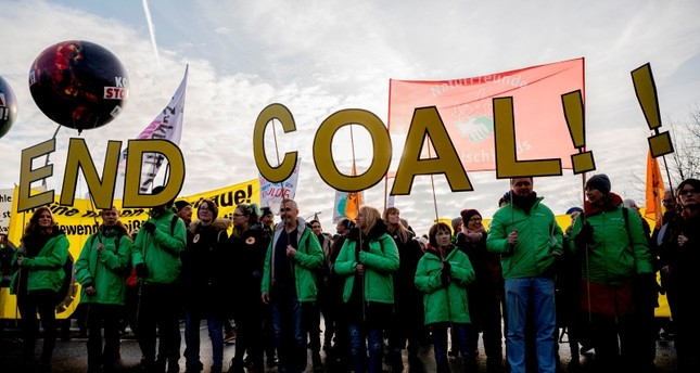 Thousands take to streets in Germany, demanding change to climate policy