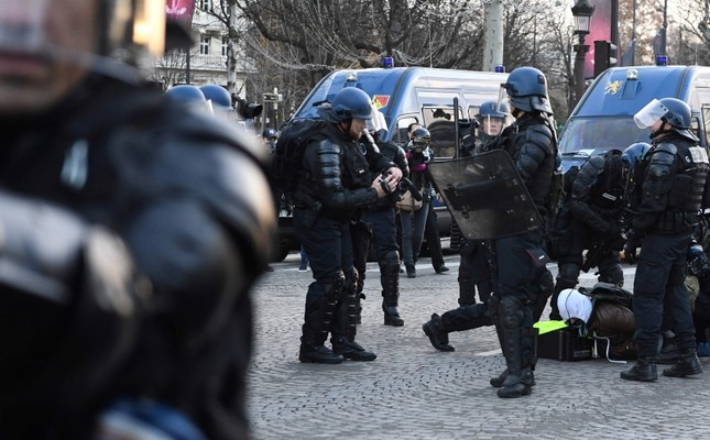 Police detain nearly 300 in Paris amid lockdown to counter yellow vest protests