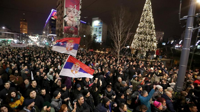 Thousands flood the streets of Belgrade in anti-government protest