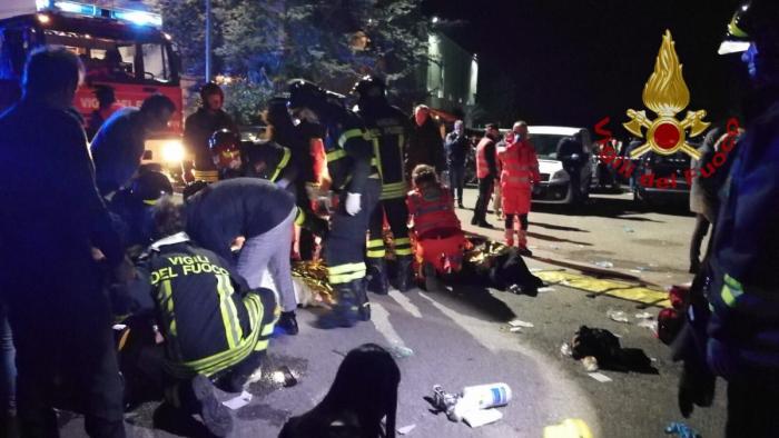 İtaliyada gecə klubunda insident: 6 ölü, 120 yaralı