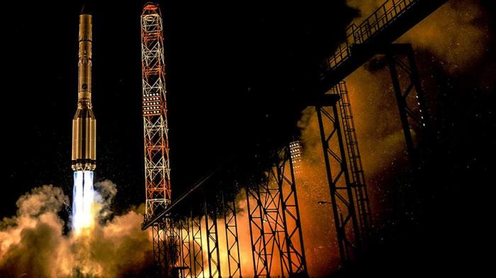Russie:   un nouveau satellite militaire lancé vers son orbite
