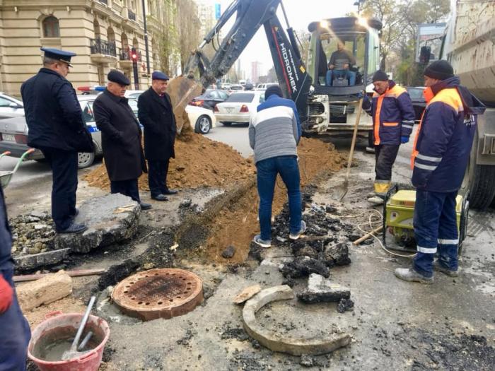 Bakıda yeni yağış-kanalizasiya xətləri çəkilir - FOTO