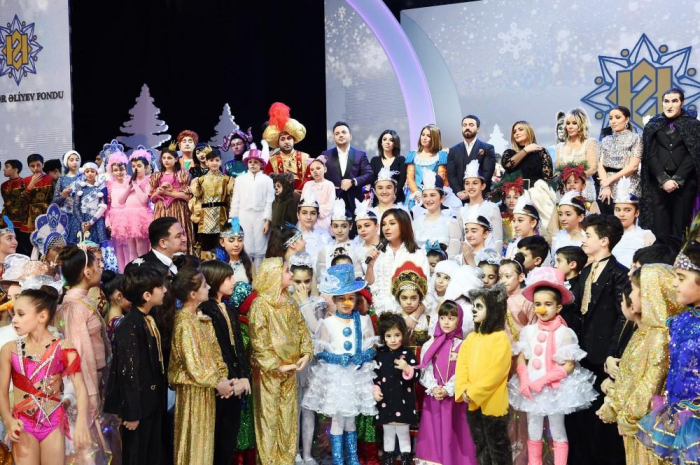 First VP Mehriban Aliyeva attends traditional New Year party for children