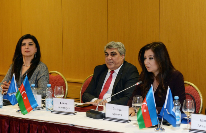 Baku hosts roundtable on role of women in Azerbaijan`s social and political life