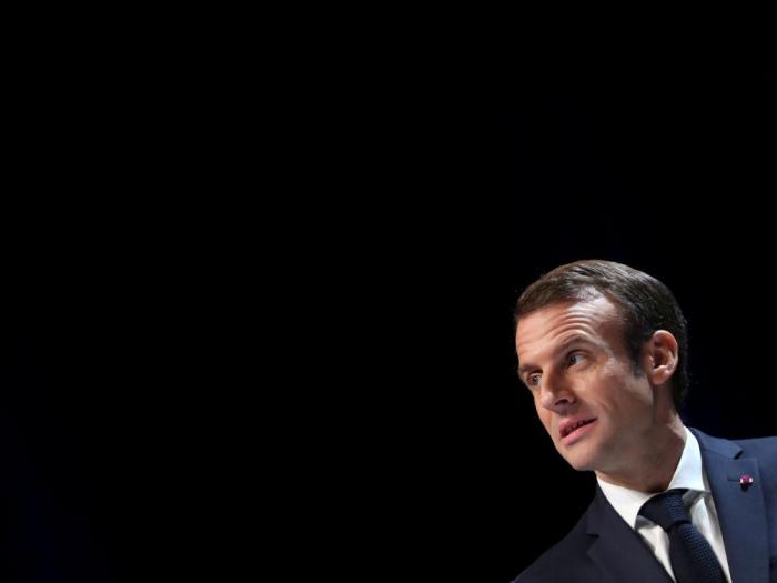 """""""Gilets jaunes"""" : Macron en appelle aux partis, syndicats, patronat"""
