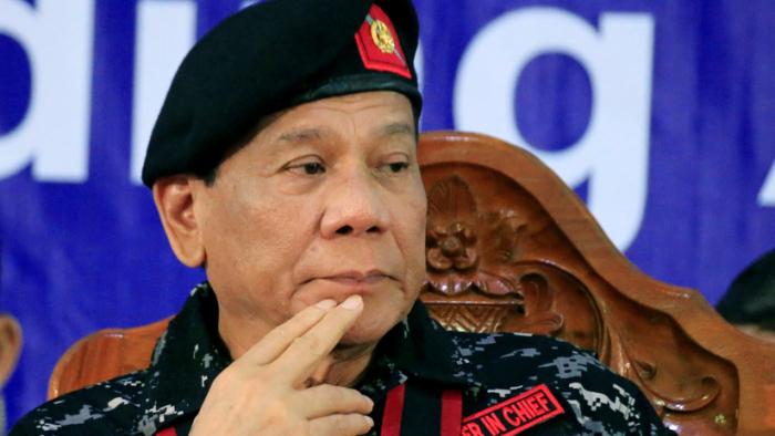 """Duterte: """"Estos obispos son estúpidos, mátenlos"""""""