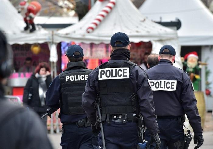 Fransa polisi hökumət əleyhinə etirazlara qoşuldu