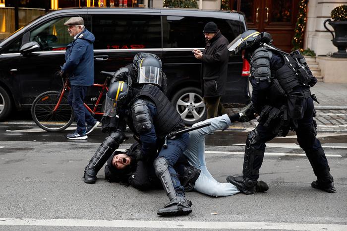 Parisdə aksiya zamanı 30 nəfər yaralanıb