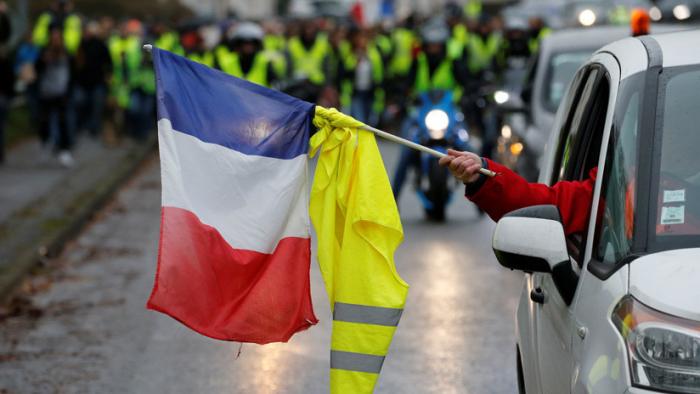 Francia encara el quinto sábado de los
