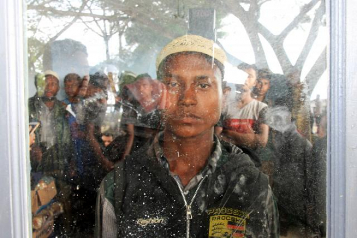Officials say boat carrying Rohingya Muslims lands in Indonesia