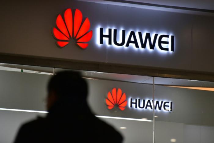 """Londres """"inquiet"""" de la participation de Huawei à la 5G britannique"""