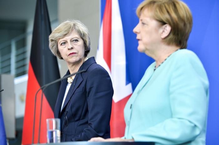 Merkel Meyə kömək etmədi