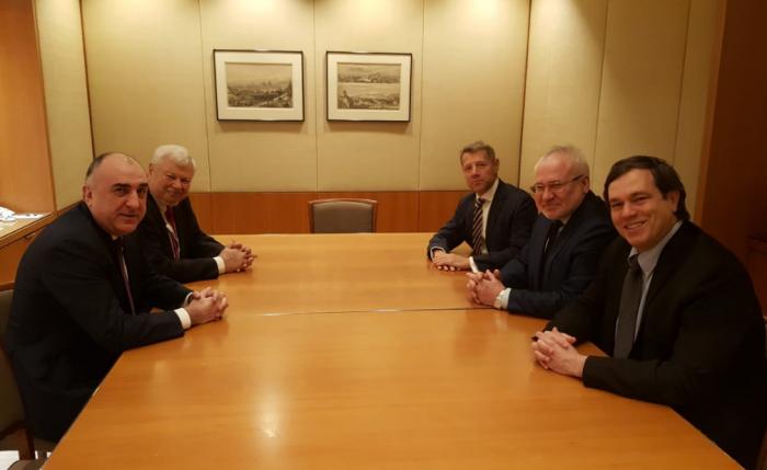 Elmar Mammadyarov se está manteniendo la reunión en Milán