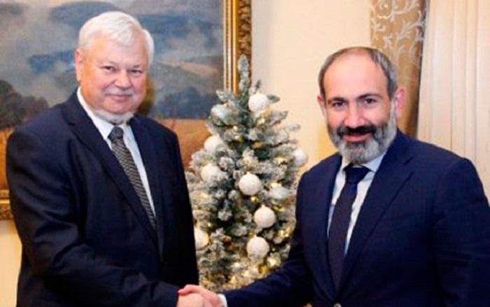 Pashinian et Kasprzyk ont discuté du Karabakh