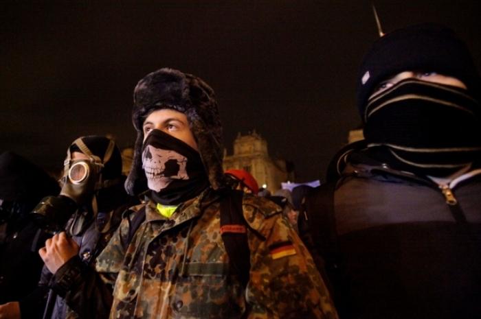 Troisième nuit de manifestations anti-Orban à Budapest