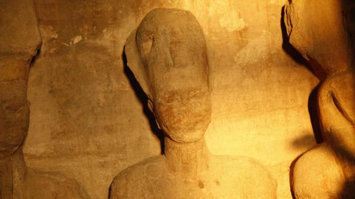 """توقيع الفرعون """"رمسيس الثالث"""" منقوش في السعودية"""