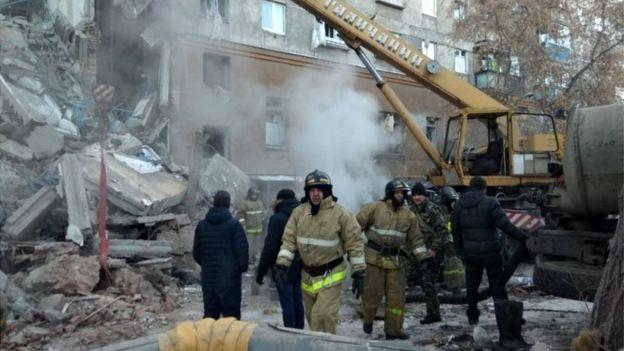 Magnitogorsk:  Plus d'une dizaine de corps retrouvés dans les décombres