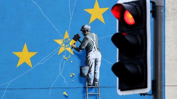 May schließt harten Brexit nicht mehr aus
