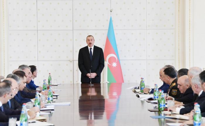 İlham Əliyev Nazirlər Kabinetini topladı - FOTOLAR