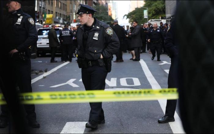 La Policía de Los Ángeles evacúa su sede tras el hallazgo de un paquete sospechoso