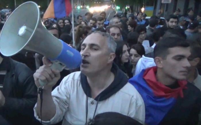 Ermənistanda rus hərbçilərinə qarşı etiraz