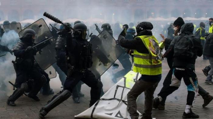 Fransada etiraz aksiyalarına 84 min nəfər qatılıb