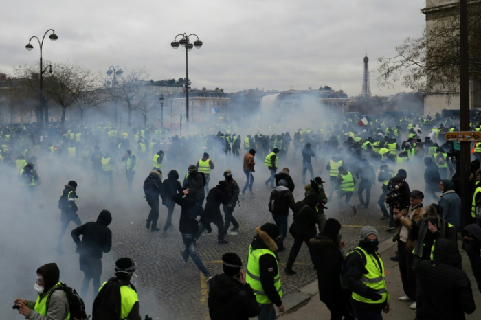 France: 102 Yellow Vests arrested as protests continue - UPDATED