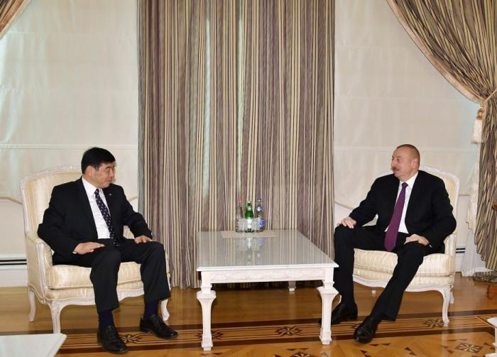 Staatspräsident Ilham Aliyev empfängt Generalsekretär der Weltzollorganisation