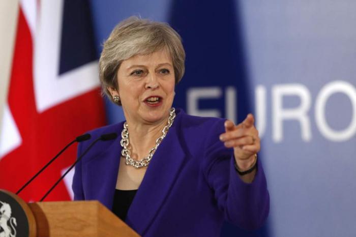 Theresa May says no Brexit more likely than no deal