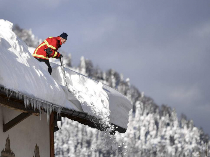 Heavy snow and avalanches leave 21 dead across Europe