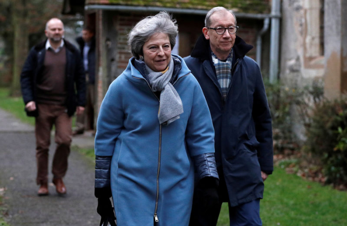 May will Brexit-Vertrag in letzter Minute retten