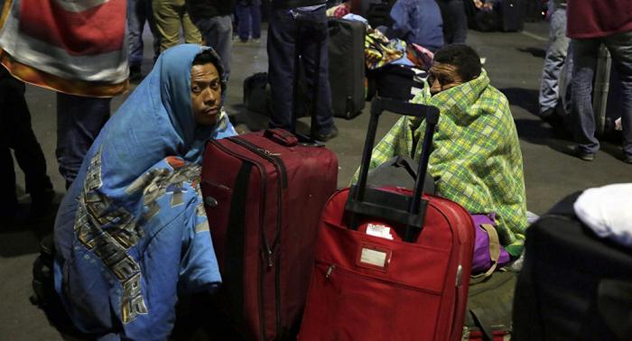 Más de 120 inmigrantes venezolanos dejan campamento provisional en Bogotá