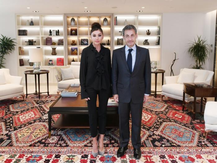 Mehriban Əliyeva Sarkozi ilə görüşüb - FOTOLAR