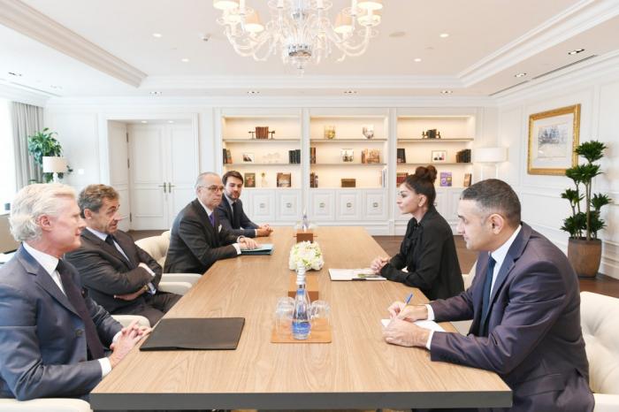 Erste Vizepräsidentin Aserbaidschans Mehriban Aliyeva trifft Frankreichs EX-Präsident Nicolas Sarkozy