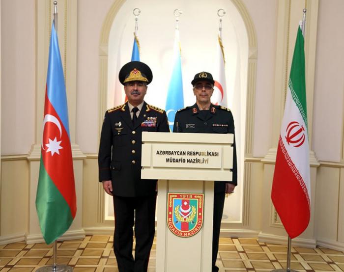 Aserbaidschan und Iran diskutieren Aussichten für Entwicklung militärischer Kooperation