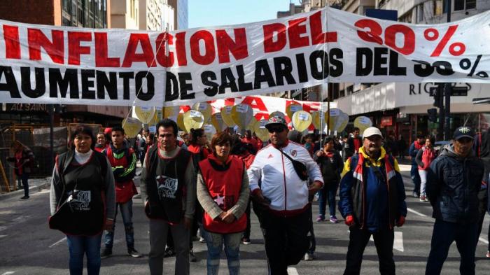 Inflation in Argentinien springt auf 47,6 Prozent